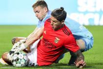 Darwin Nunez (Benfica) et Romain Salain (SRFC)