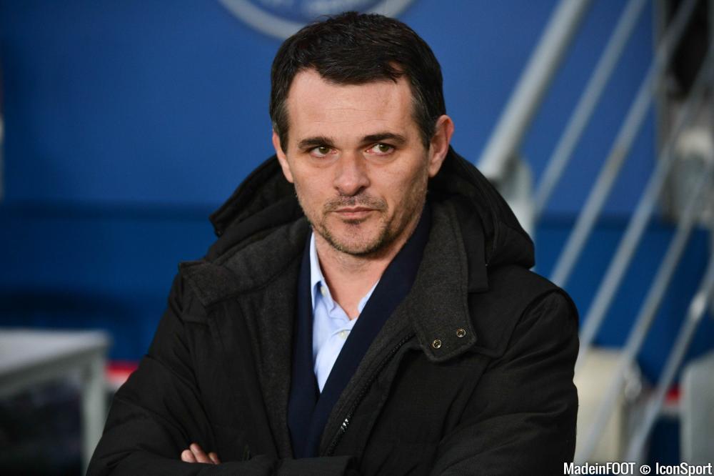 Willy Sagnol apprécierait un joueur allemand de Paderborn.
