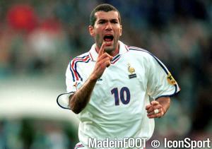 Zidane en bleu pendant l'Euro 2000