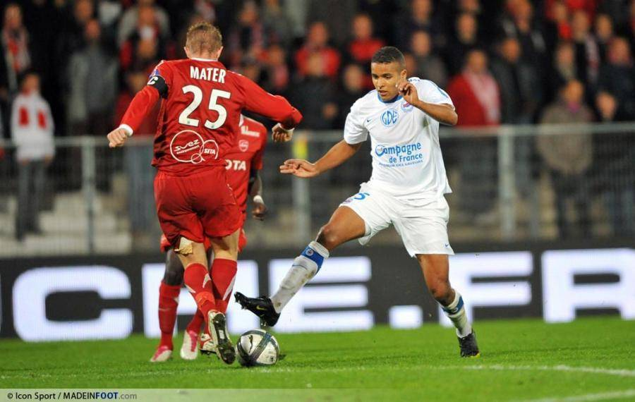 El-Arabi avait réalisé une très bonne saison avec le SM Caen