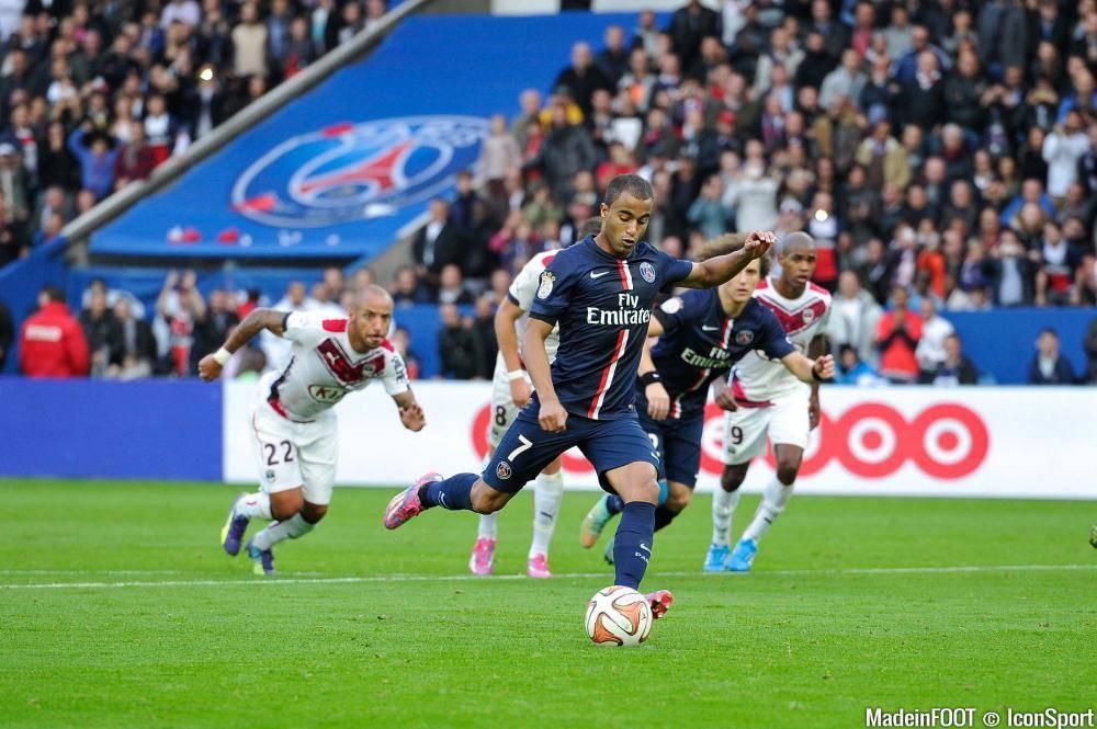 Lucas devrait débuter sur l'aile gauche parisienne.
