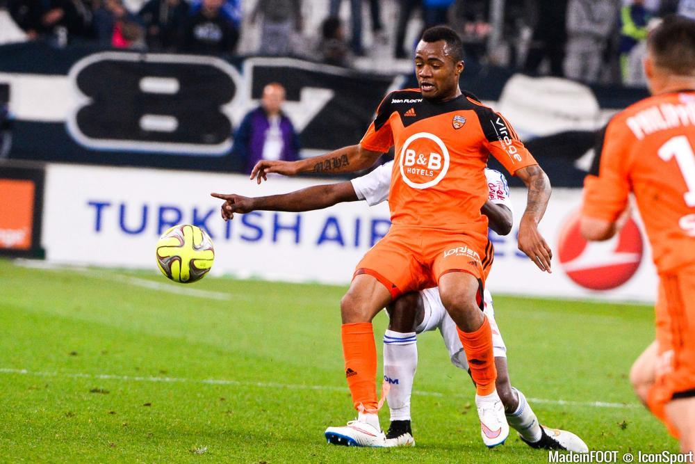 Les compos officielles de la rencontre entre le FC Lorient et les Girondins de Bordeaux.