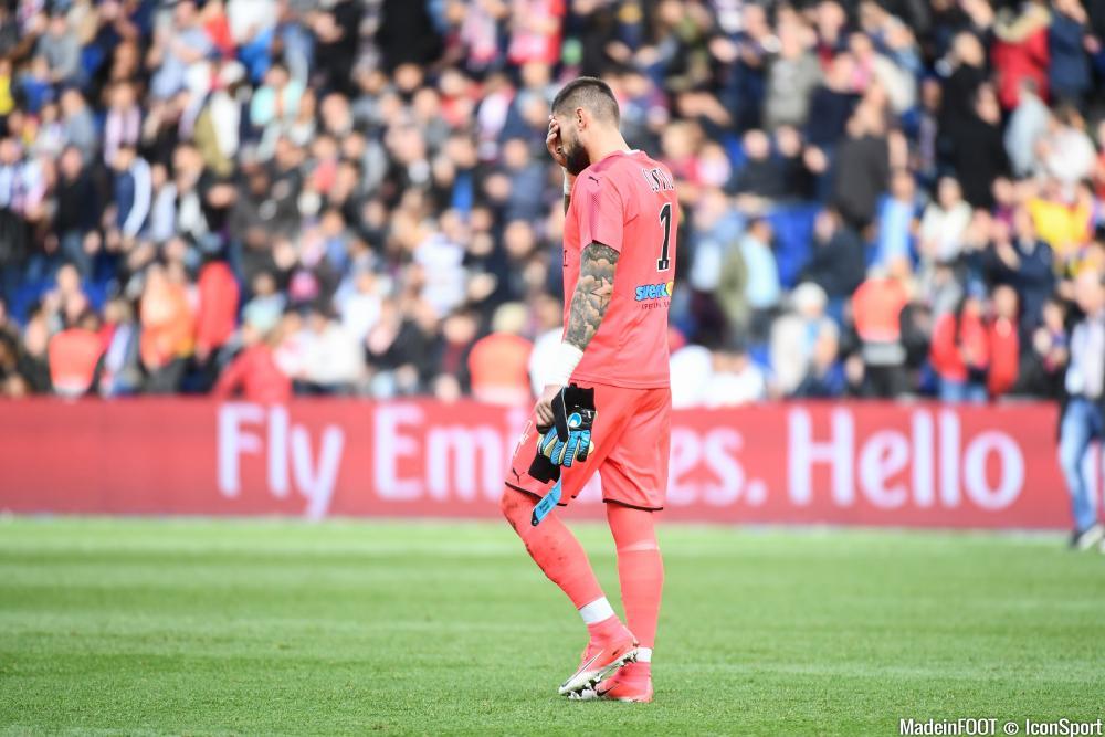 Benoît Costil (Girondins) très déçu après la défaite contre Dijon