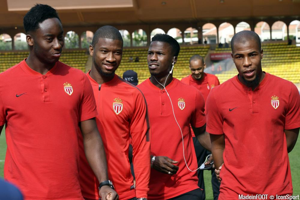 Soualiho Meïté (à gauche) a signé mardi à Bordeaux, en prêt.