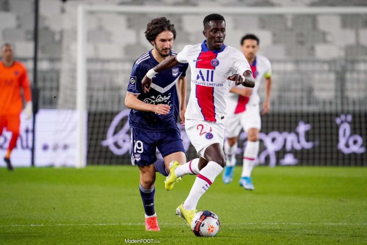 Yacine Adli contre le PSG